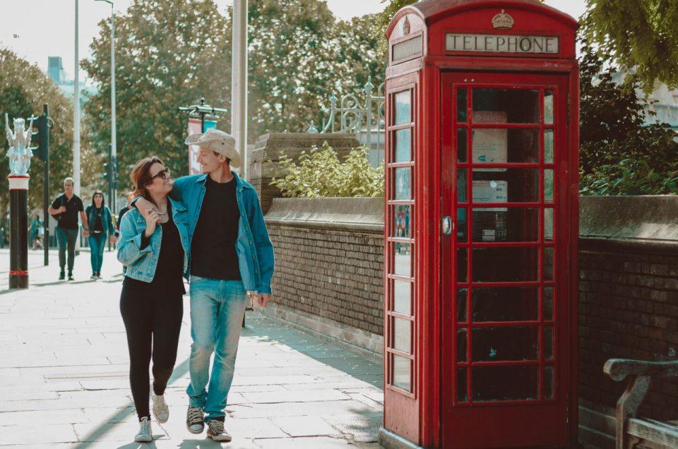As famosas e tradicionais cabines telefônicas de Londres