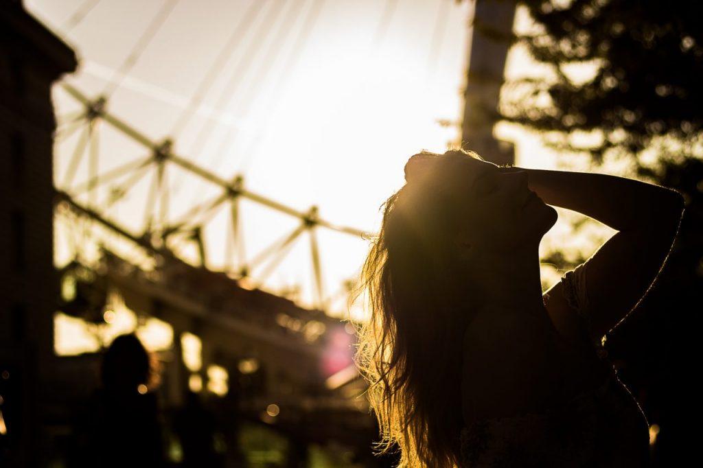 Ensaio feminino no pôr do sol com fotógrafa brasileira em Londres