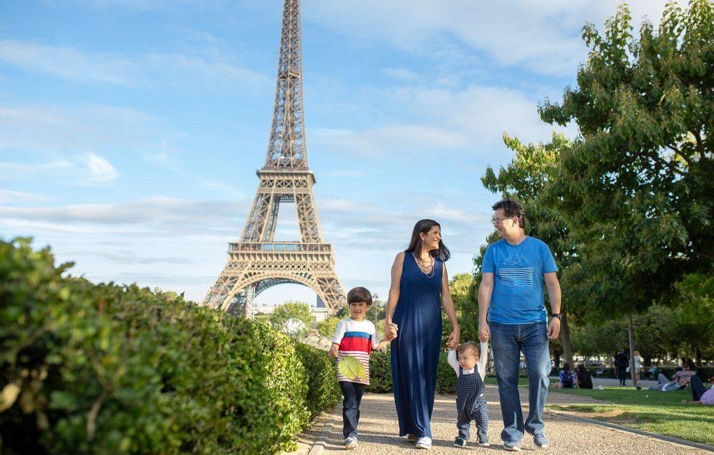 Fotógrafo brasileiro em Paris : Ensaio Família na Torre Eiffel