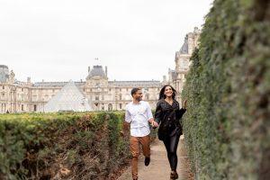 Fotógrafo brasileiro em Paris : Fotos nos jardins do Museu do Louvre - Ensaio casal