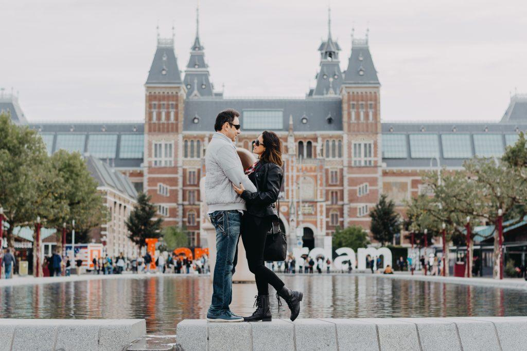 Ensaio casal no Rijksmuseum com fotógrafa brasileira em Amsterdam