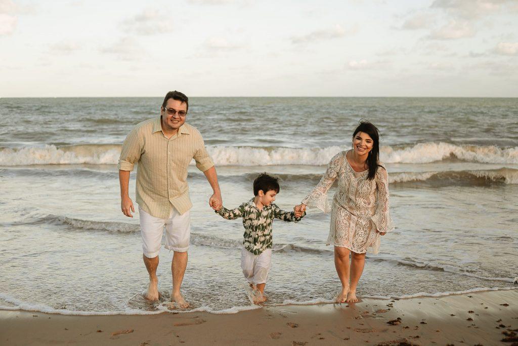 Ensaio família na praia em João Pessoa - Fotógrafa na Paraíba