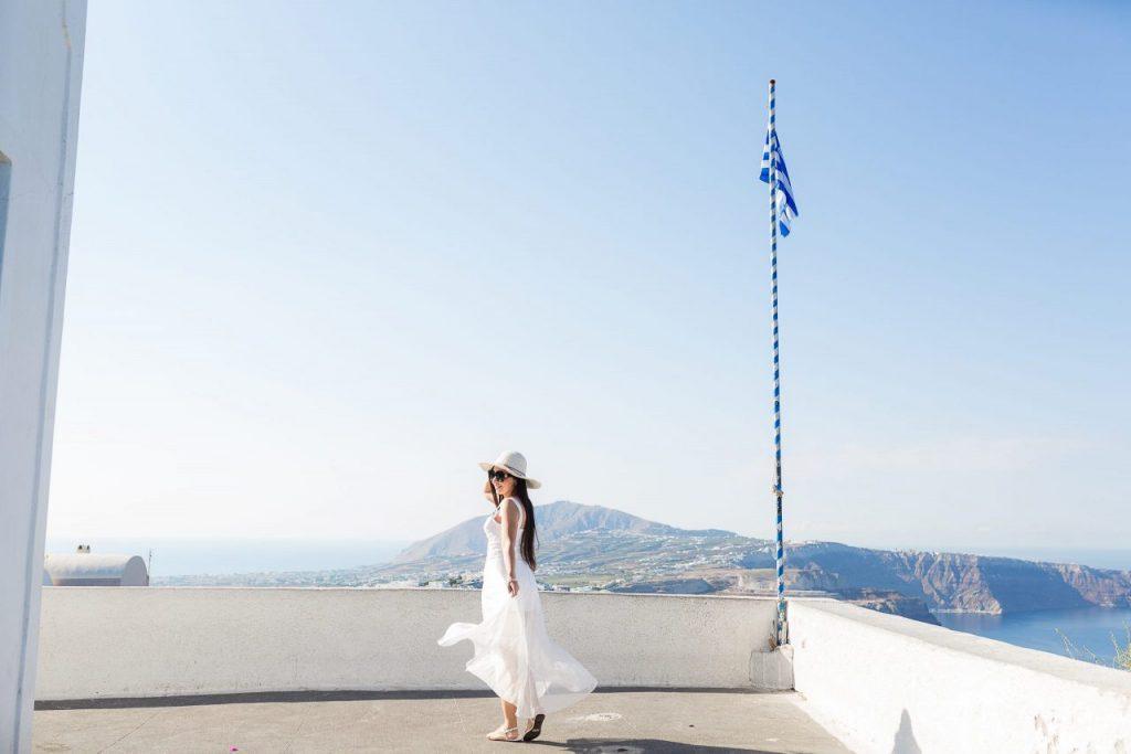 Ensaio feminino em Imerovigli com fotógrafa brasileira em Santorini