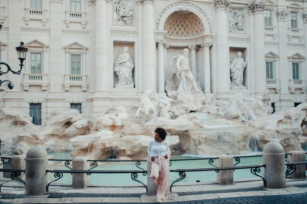 Ensaio feminino na Fontana di Trevi com fotógrafa brasileira em Roma