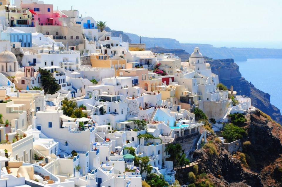 Arquitetura de Santorini, cenário do seu ensaio na Grécia com fotógrafo profissional