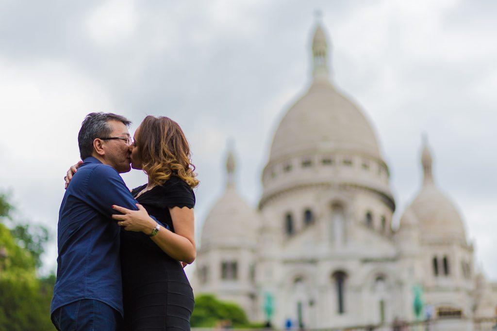 Ensaio casal m Montmartre na Sacré Coeur com fotógrafa brasileira em Paris