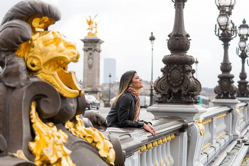 Ensaio na Ponte Alexandre III por fotógrafa brasileira em Paris