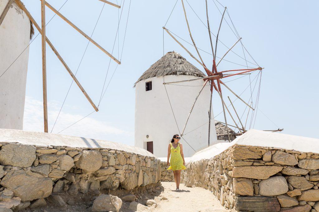 Ensaio em Mykonos Windwills com fotógrafa brasileira na Grécia