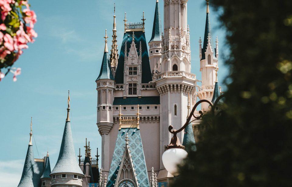 Disneyland Paris virou centro de vacinação