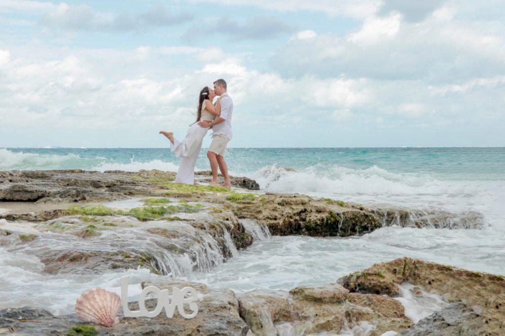 Casal comemora bodas com ensaio nas praias em Cancun - Fotógrafa brasileira no México
