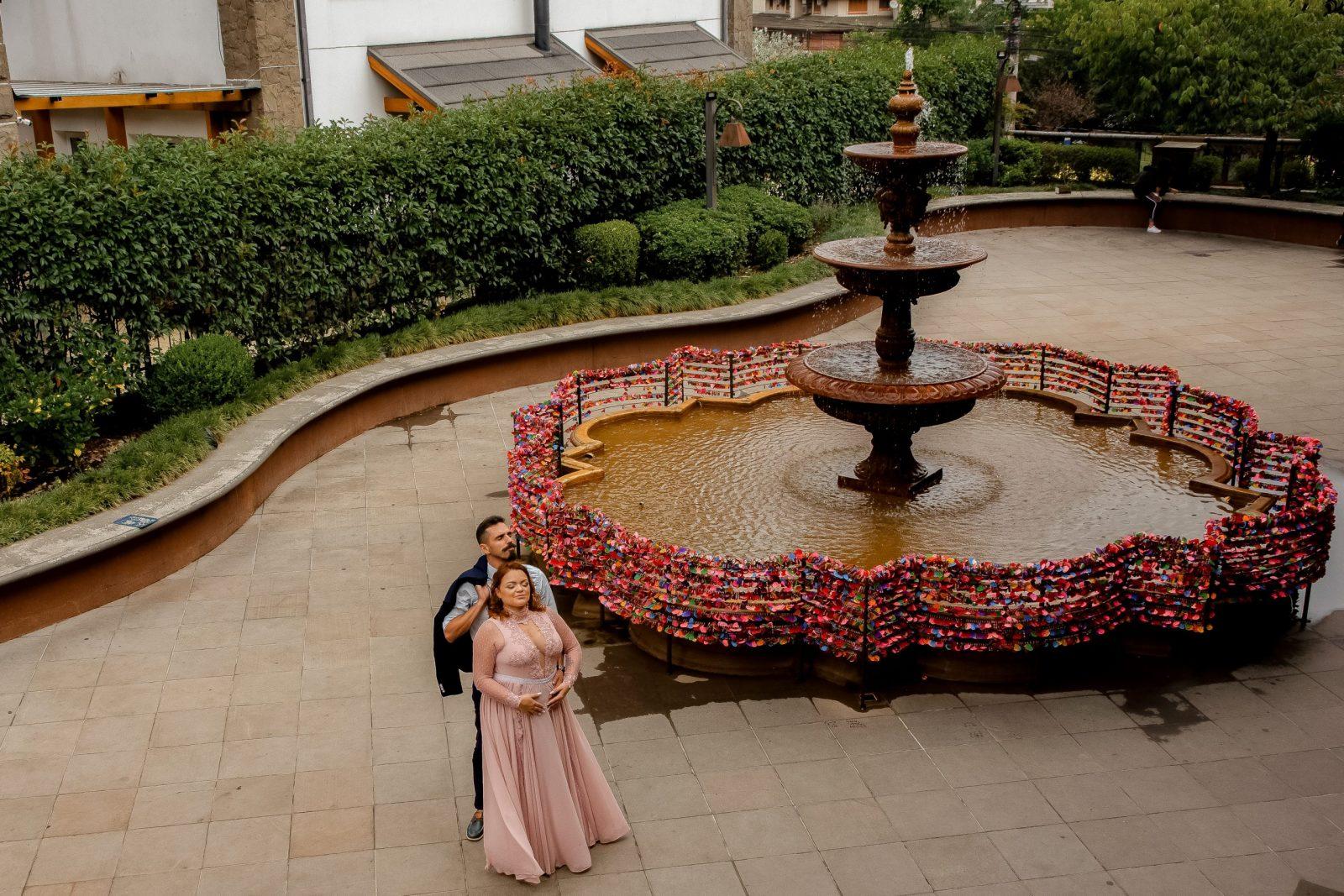 Ensaio na Fonte do Amor - Pré-wedding em Gramado com fotógrafo