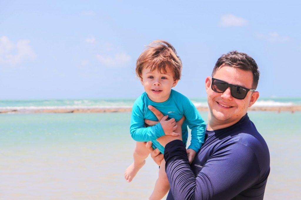 Fotógrafo em Muro Alto - Reserve seu ensaio família na praia