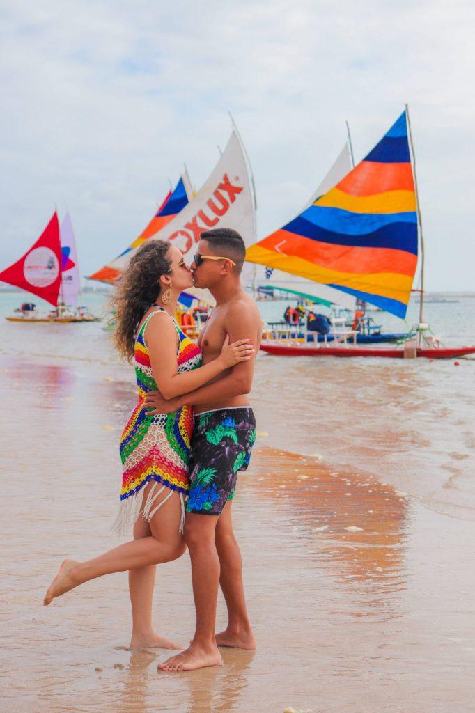 Fotógrafo na beira mar de Porto de Galinhas - Faça um ensaio casal na praia